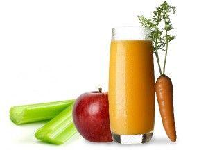 Zumo de manzana, zanahoria y apio: grandes propiedades depurativas del organismo.