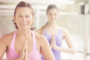yoga te hace una persona más feliz