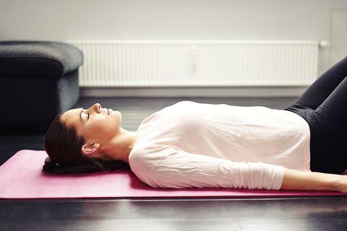 yoga para combatir el estrés
