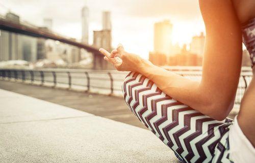 beneficios poco conocidos del yoga